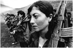 Mujeres combatientes