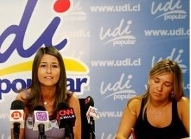"""Crece el """"Tea Party"""" chileno con dos diputadas UDI """"orgullosas de ser de raza blanca"""""""