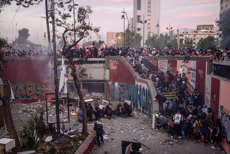 Balance penal del estallido: Fiscalía investiga a 466 agentes del Estado y gobierno acusa a 3.274 personas de cometer actos violentos