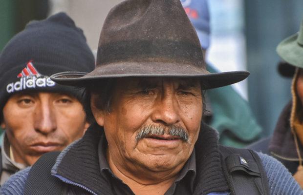Bolivia. «El Mallku» Felipe Quispe advierte: «Vamos a bloquear meses, años si es posible hasta que se vaya este gobierno transitorio»