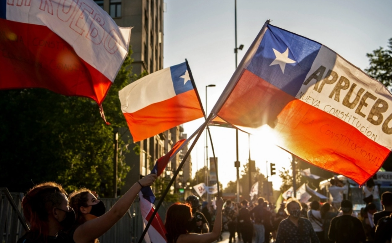 """""""Chile está firmando el certificado de defunción del modelo neoliberal para América Latina"""""""