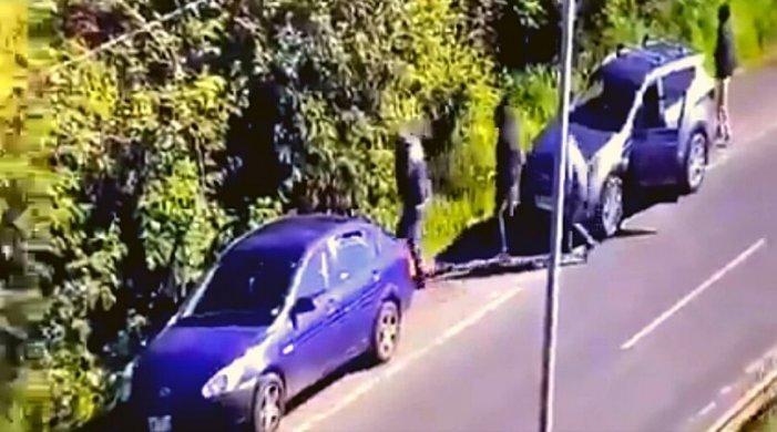 Camioneta de sospechosos involucrados en muerte de policía es propiedad de empresario transportista de la zona