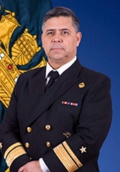 ¿Nuevo montaje?: Funcionario de la Armada es sorprendido en incendio de iglesia de Carabineros
