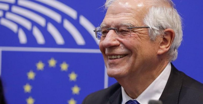 Borrell, crecido ante Rusia y servil ante Marruecos