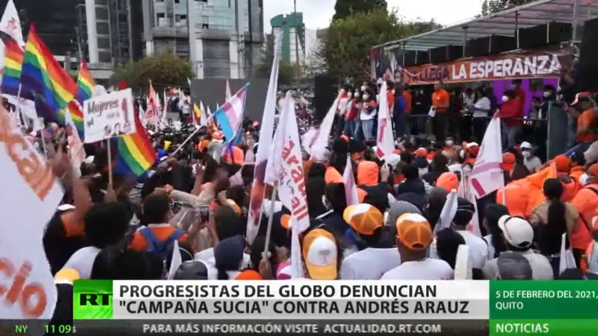 """""""La democracia de Ecuador está siendo atacada"""""""