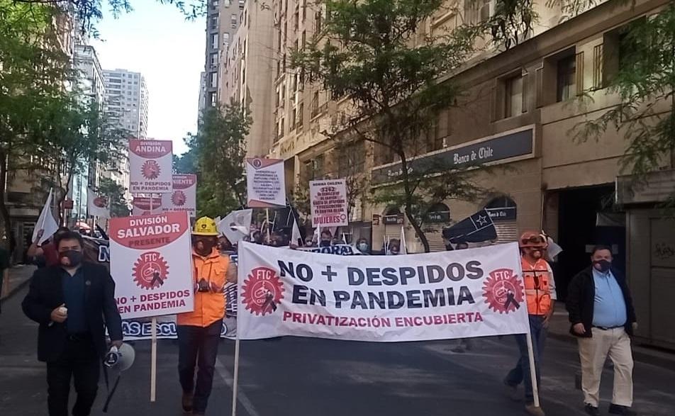 Trabajadores del Cobre en alerta por prepotencia reiterada de Piñera