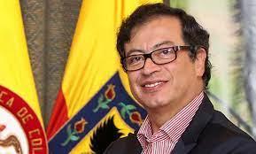 Gustavo Petro: «A toda la Nacion Colombiana»