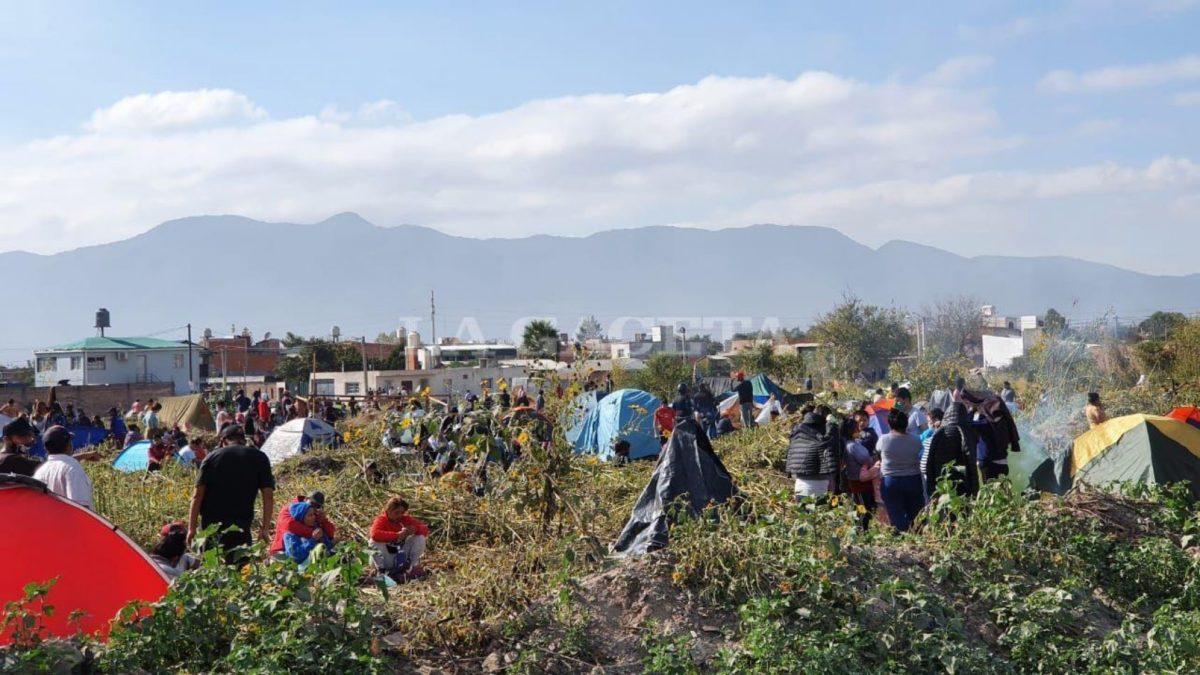 Vergonzoso: Proyecto de ley criminaliza a quienes viven en tomas y campamentos
