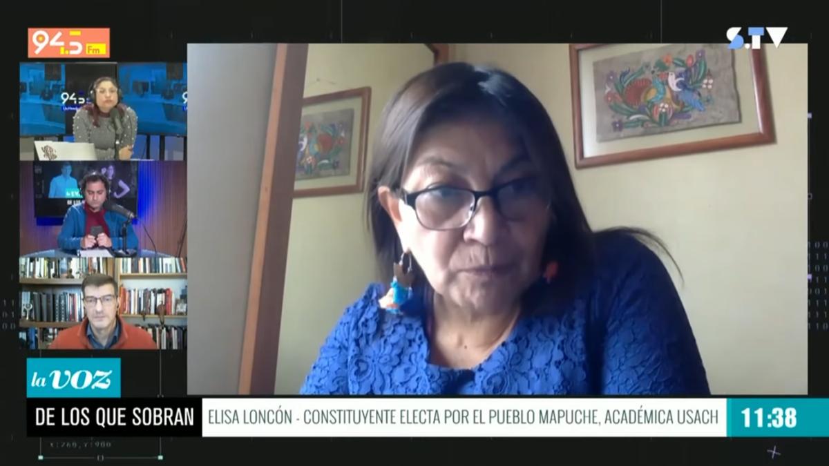 Elisa Loncón: «Yo como mujer tengo una voz propia y decido autónomamente« (independiente de mi familia)