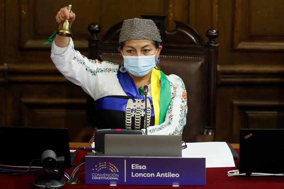 Elisa Loncon, la presidenta de la Convención Constitucional chilena cuenta un mes de labor en medio de la violencia racista y de género que sufre