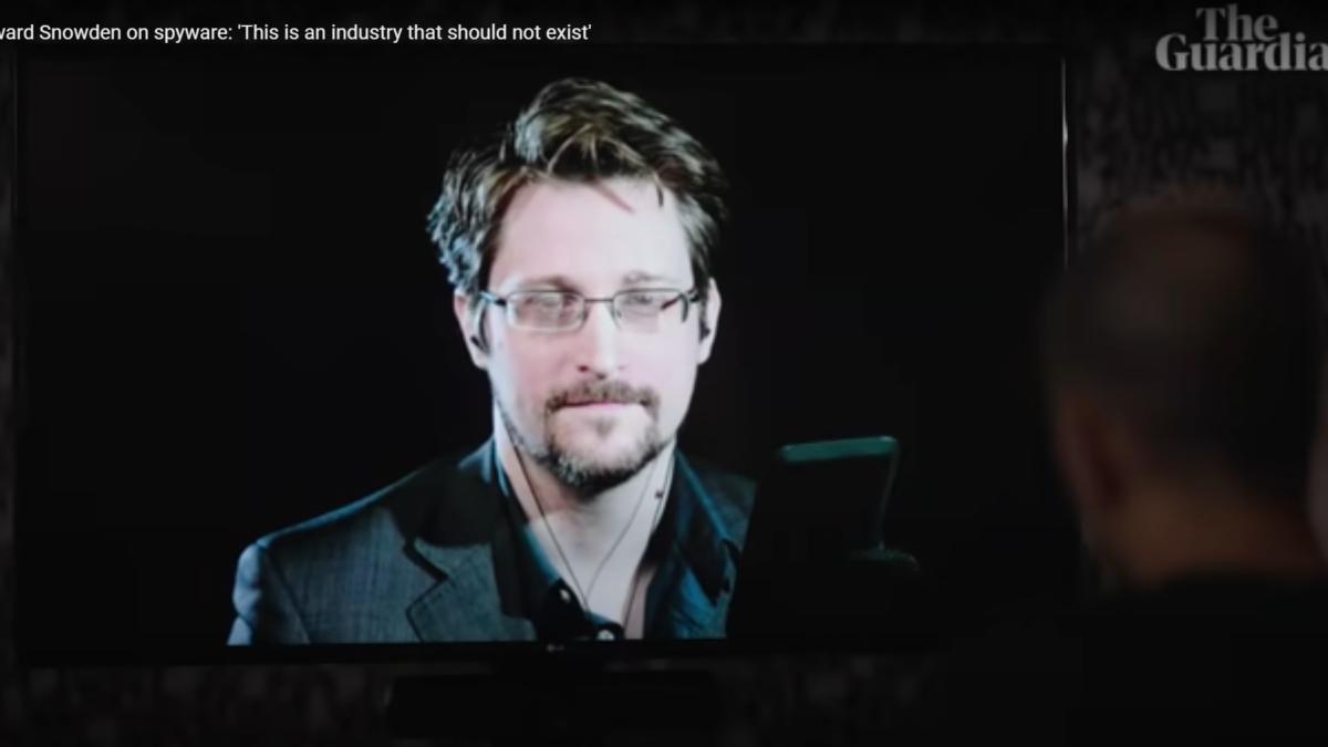 Edward Snowden pide que se prohíba el comercio de software espía en medio de las revelaciones de Pegasus