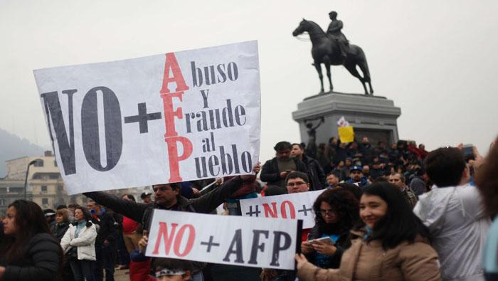 Banco Central ayudó con 30 mil millones de dólares a las AFP para pagar los retiros